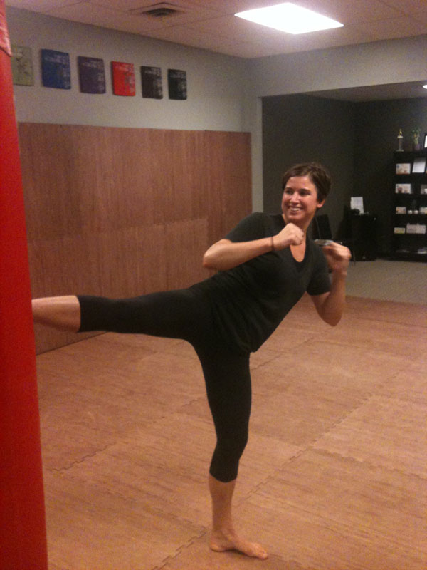 jenna-womens-mma-training-st-louis